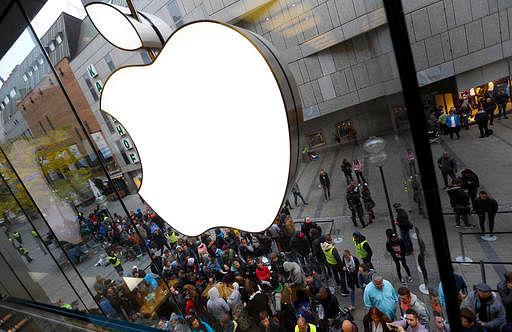 Apple Inc officials meet commerce minister Nirmala Sitharaman
