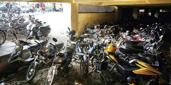 Parking lot at the Thiruvanmiyur MRTS. (File photo)