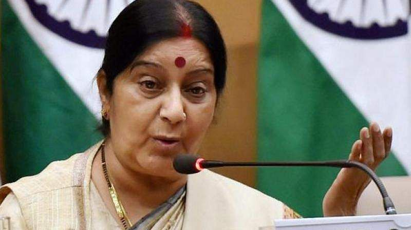 Sushma flays Rahul for 'women in shorts at RSS' remark