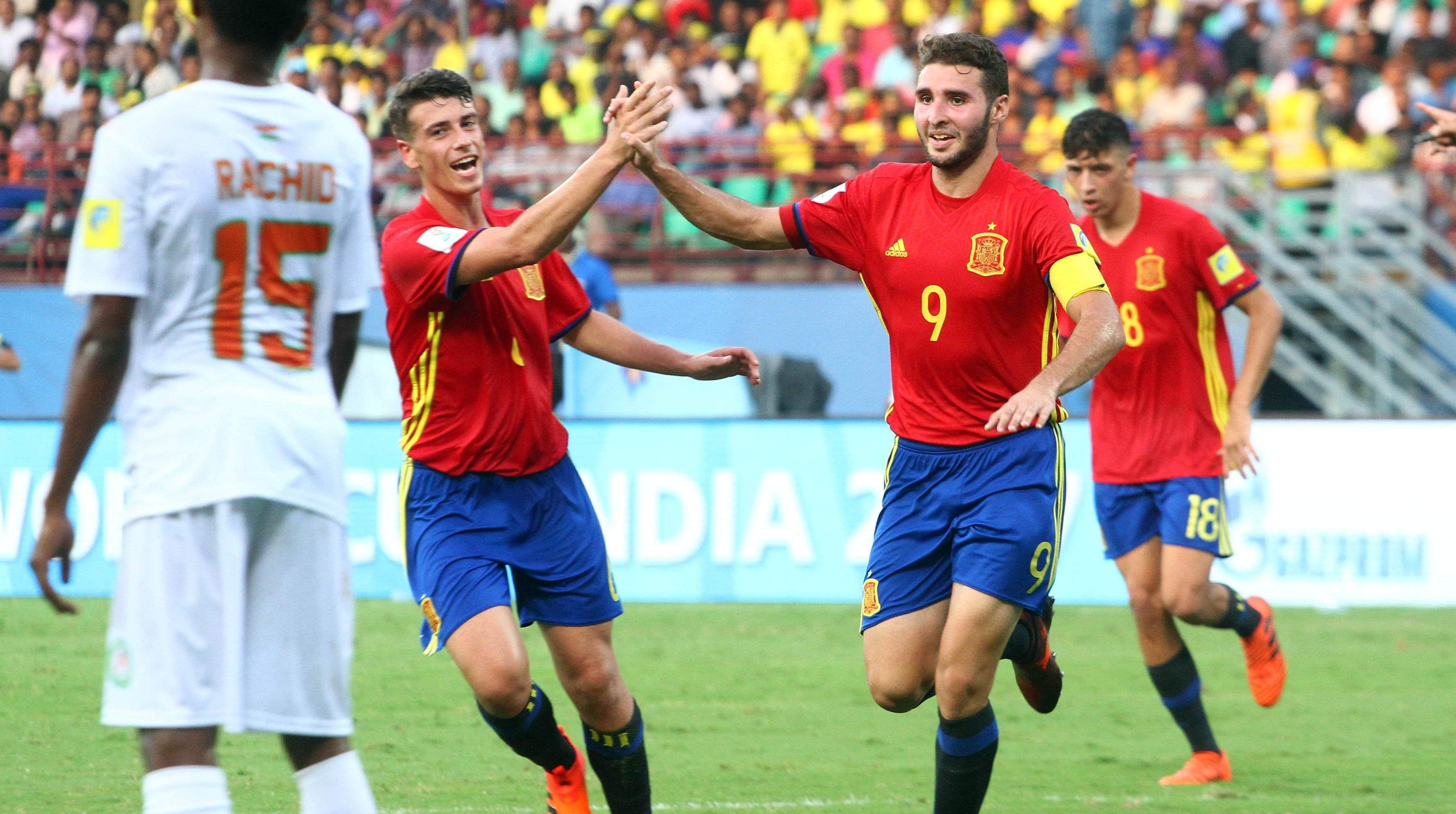 Abel Ruiz penalty takes Spain through to quarterfinals