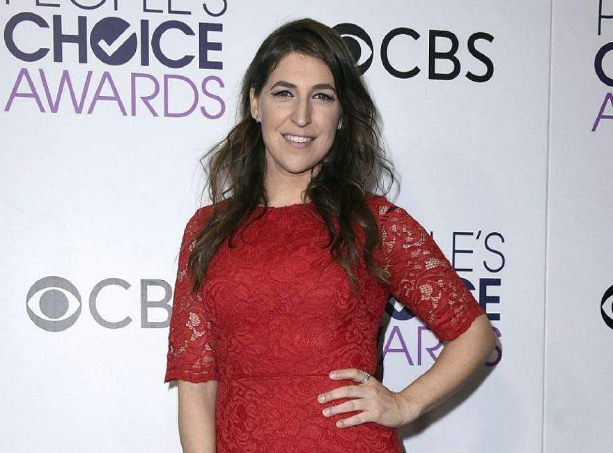 Mayim Bialik finally gets why people are mad at her and apologizes