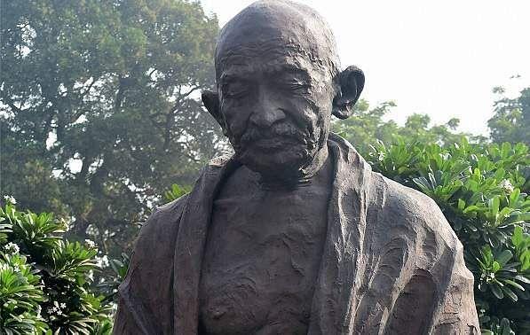 Hindu Mahasabha installs Nathuram Godse's bust in Gwalior office