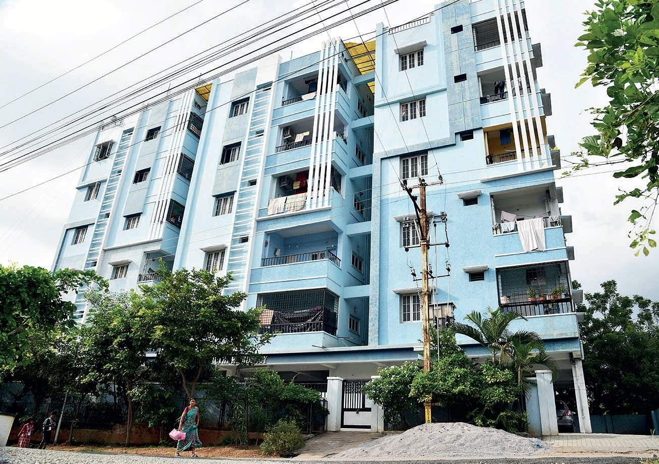 75-yr-old dead in flat for 45 days