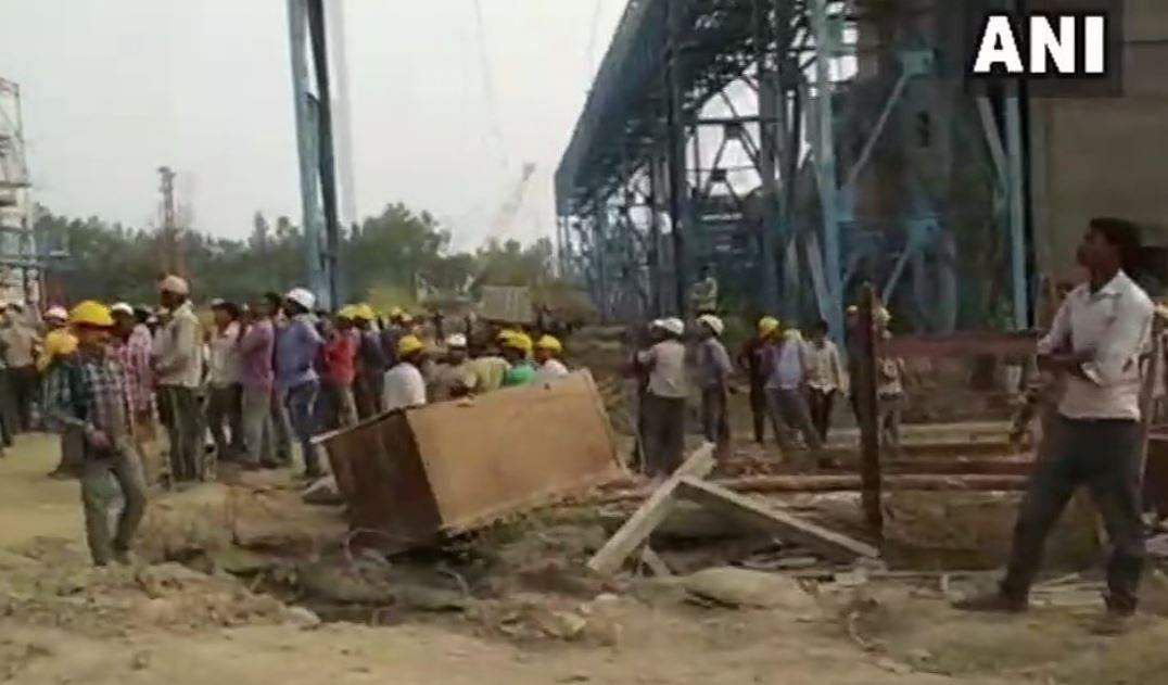 15 labourers were dead and over 100 were injured after the steam pipe of a boiler burst at the thermal power plant of National Thermal Power Corporation in Unchahar