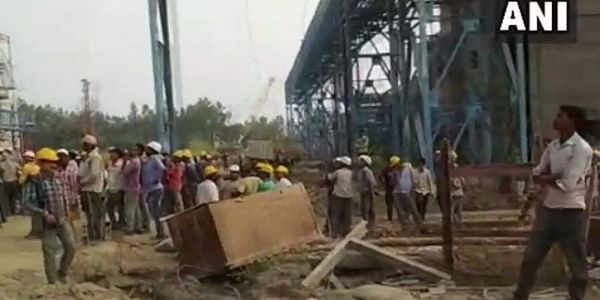 15 labourers were dead and over 100 were injured after the steam pipe of a boiler burst at the thermal power plant of National Thermal Power Corporationin Unchahar. (ANI)