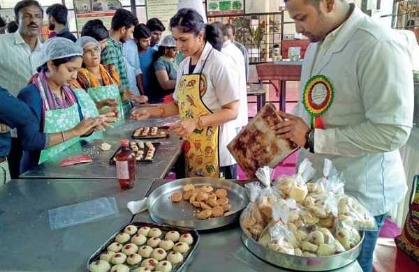 Cake Icing Recipe In Malayalam: Bakery Stall By Students Was Icing On The Cake- The New