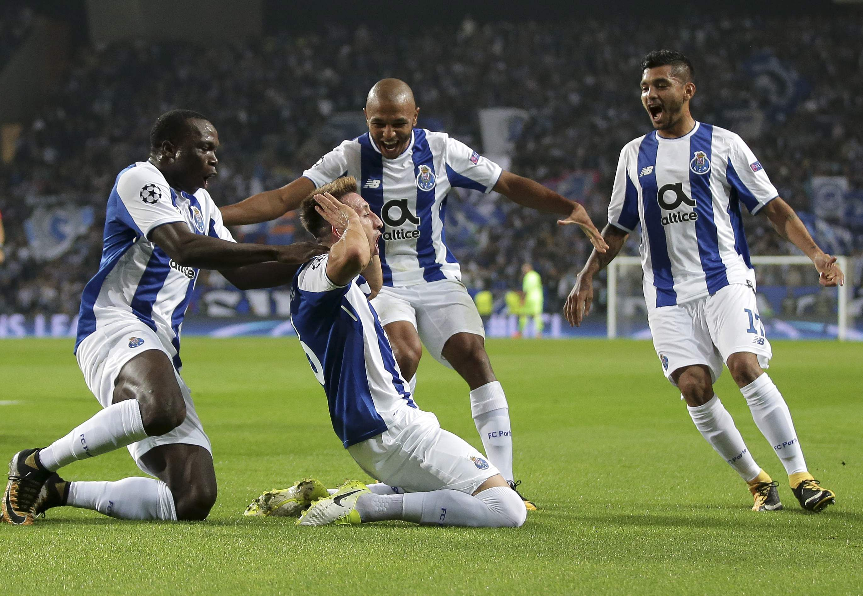 Champions League Porto beats Leipzig 3 1 to move second in Group