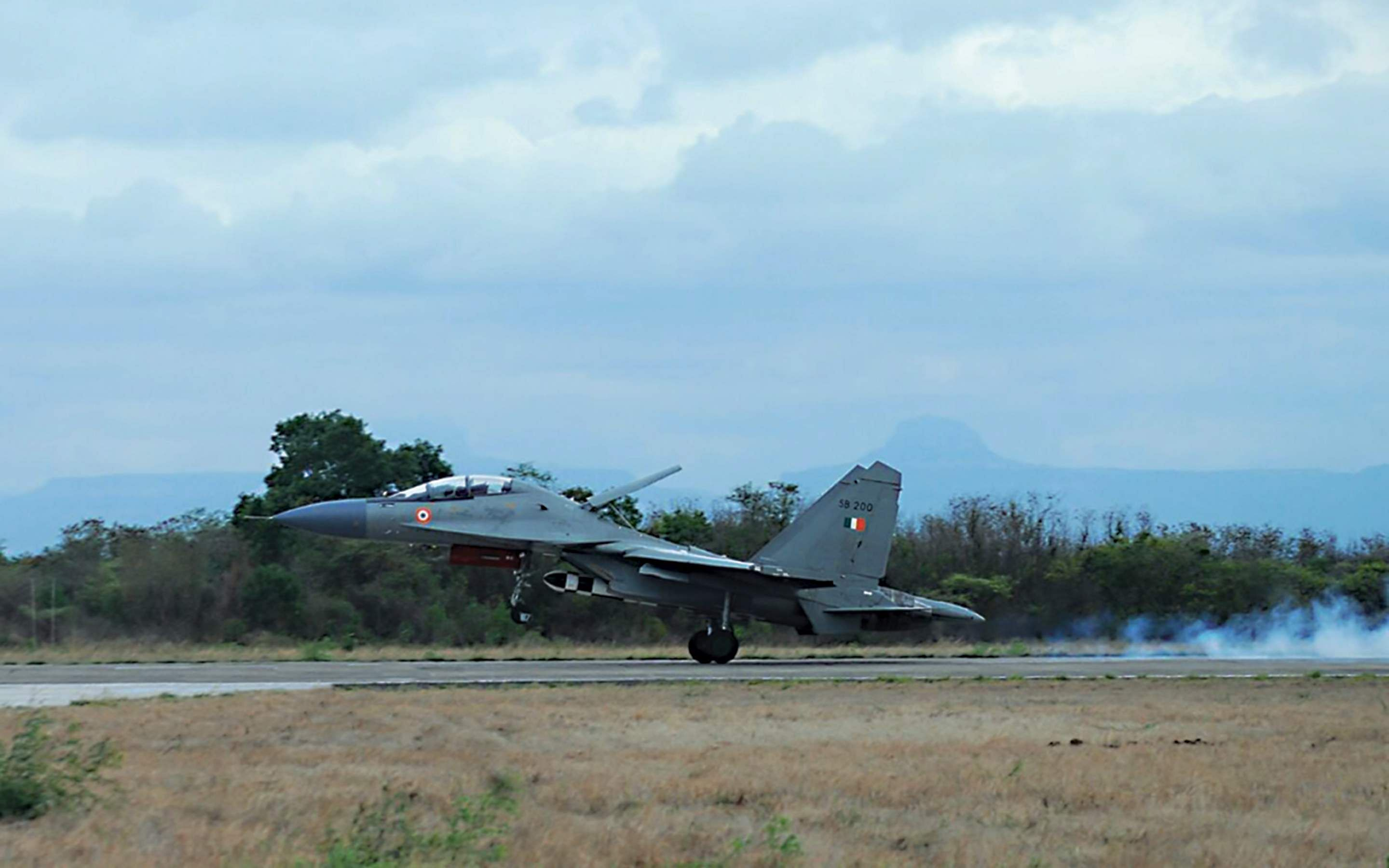 Brahmos successfully test fired from Sukhoi fighter aircraft