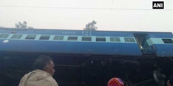 Vasco Da Gama-Patna Express derails near Manikpur in Uttar Pradesh, 7 injured