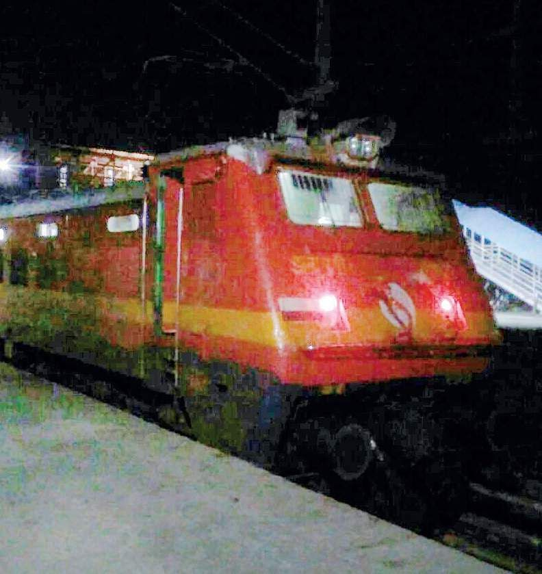 Train engine runs without driver | Railway officials chase on Bike