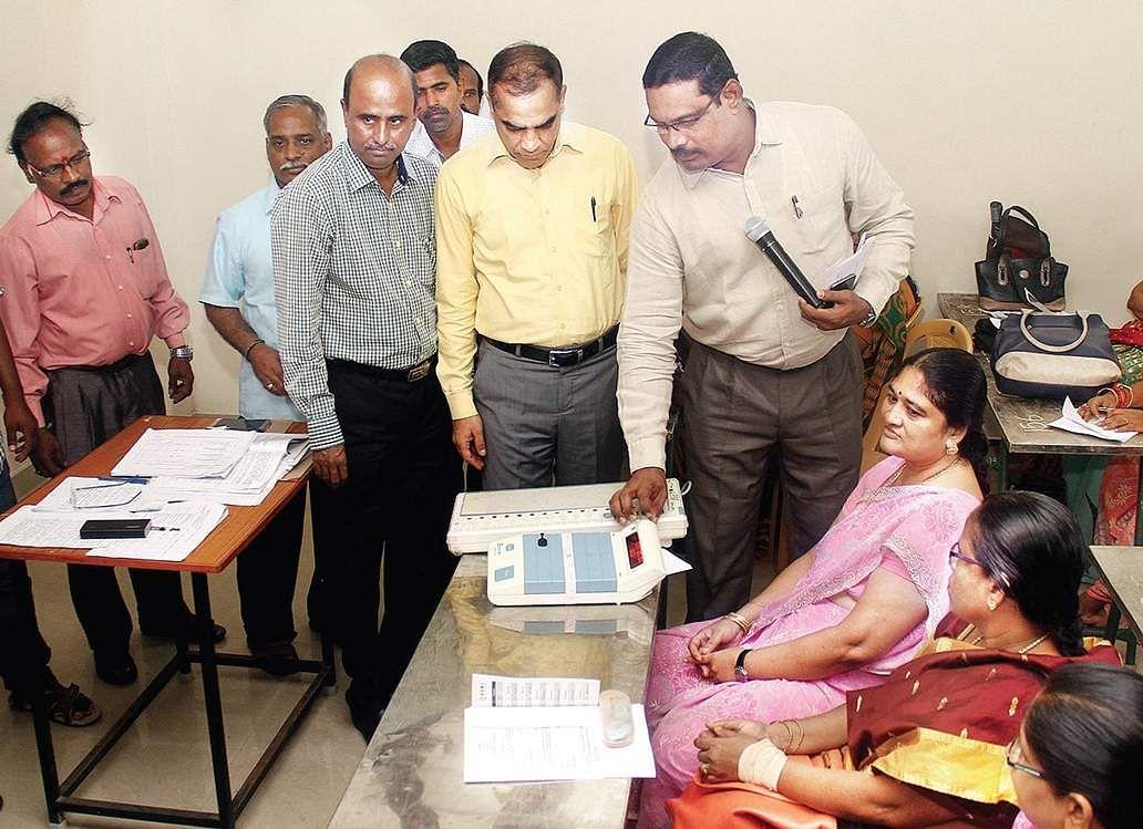 AIADMK names Madhusudhanan for RK Nagar bypoll