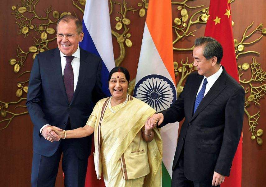 Sushma Swaraj meets Chinese counterpart Wang Yi, discusses border dispute, terrorism