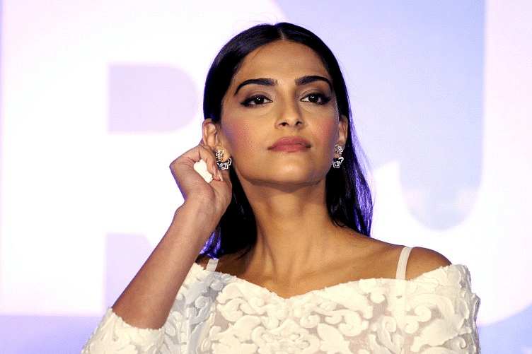 Sonam Kapoor To Work With Dulquer Salmaan In The Zoya Factor