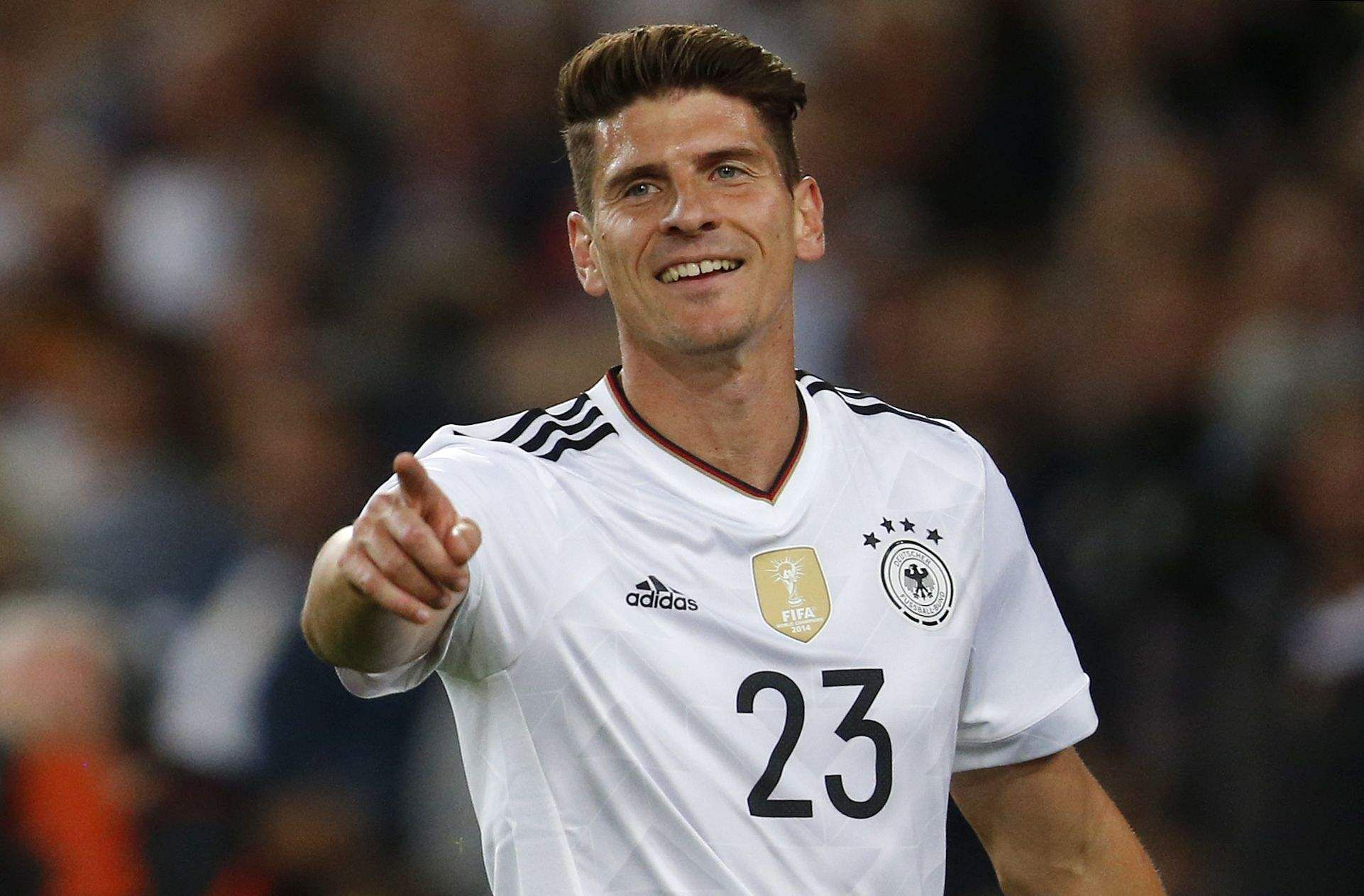 Mario Gomez returns to 'home' club VfB Stuttgart