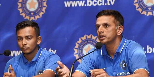 Under 19 coach Rahul Dravid with Captain Prithvi Shaw | PTI