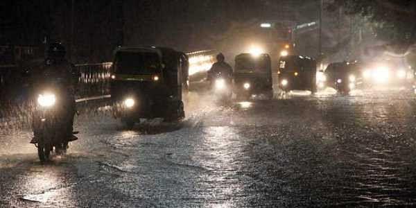 mumbai-rain1_647_061915090938