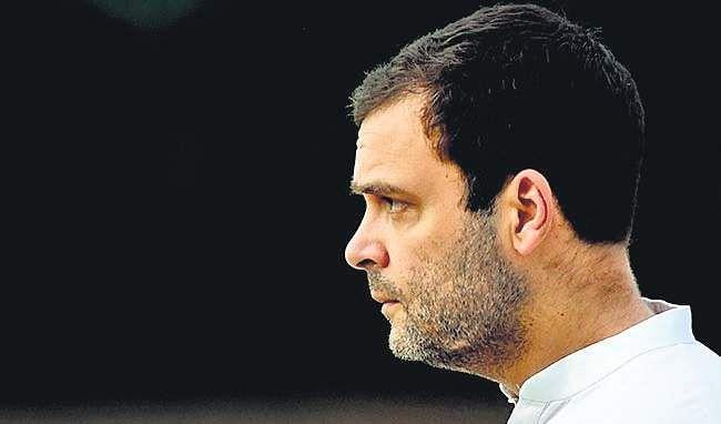 Sonia Gandhi turns 71, workers celebrate at 10 Janpath