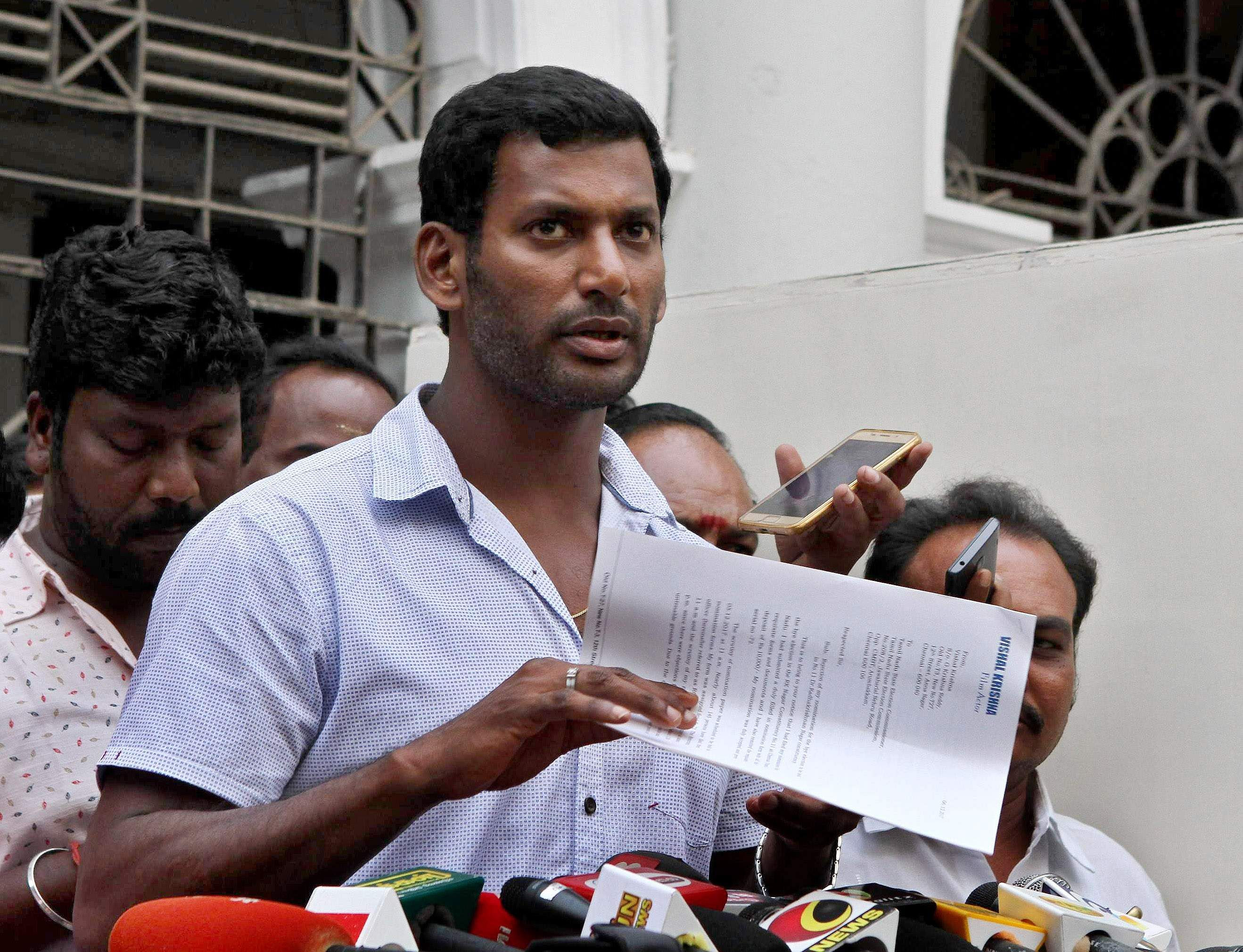 Actor Vishal cries foul, alleges candidacy proposers are missing