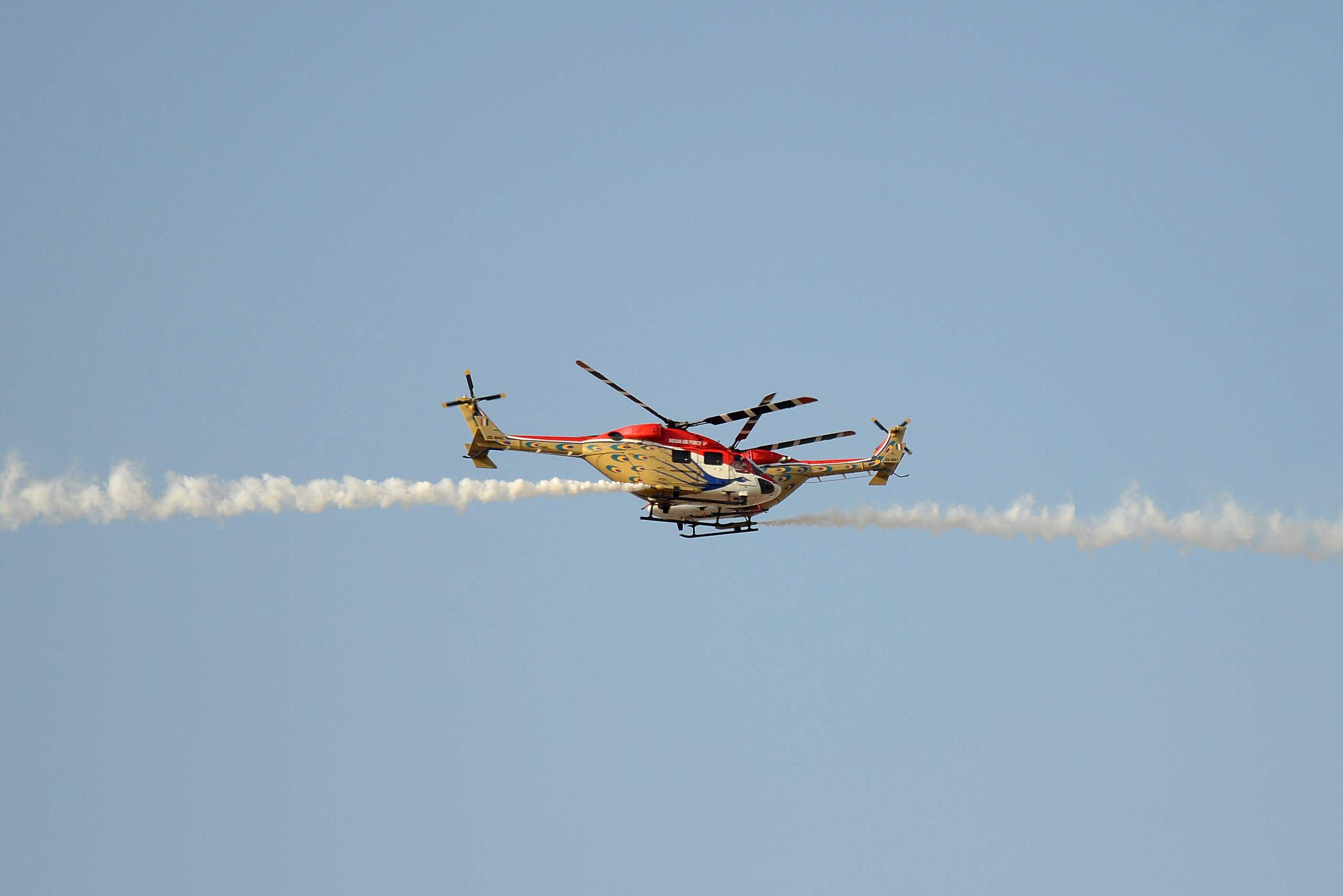The helicopter display team, Sarang, of the Indian Air Force drew Oohs and Aahs as they pulled of dangerous manoevres with ease. (Pushkar V | EPS)
