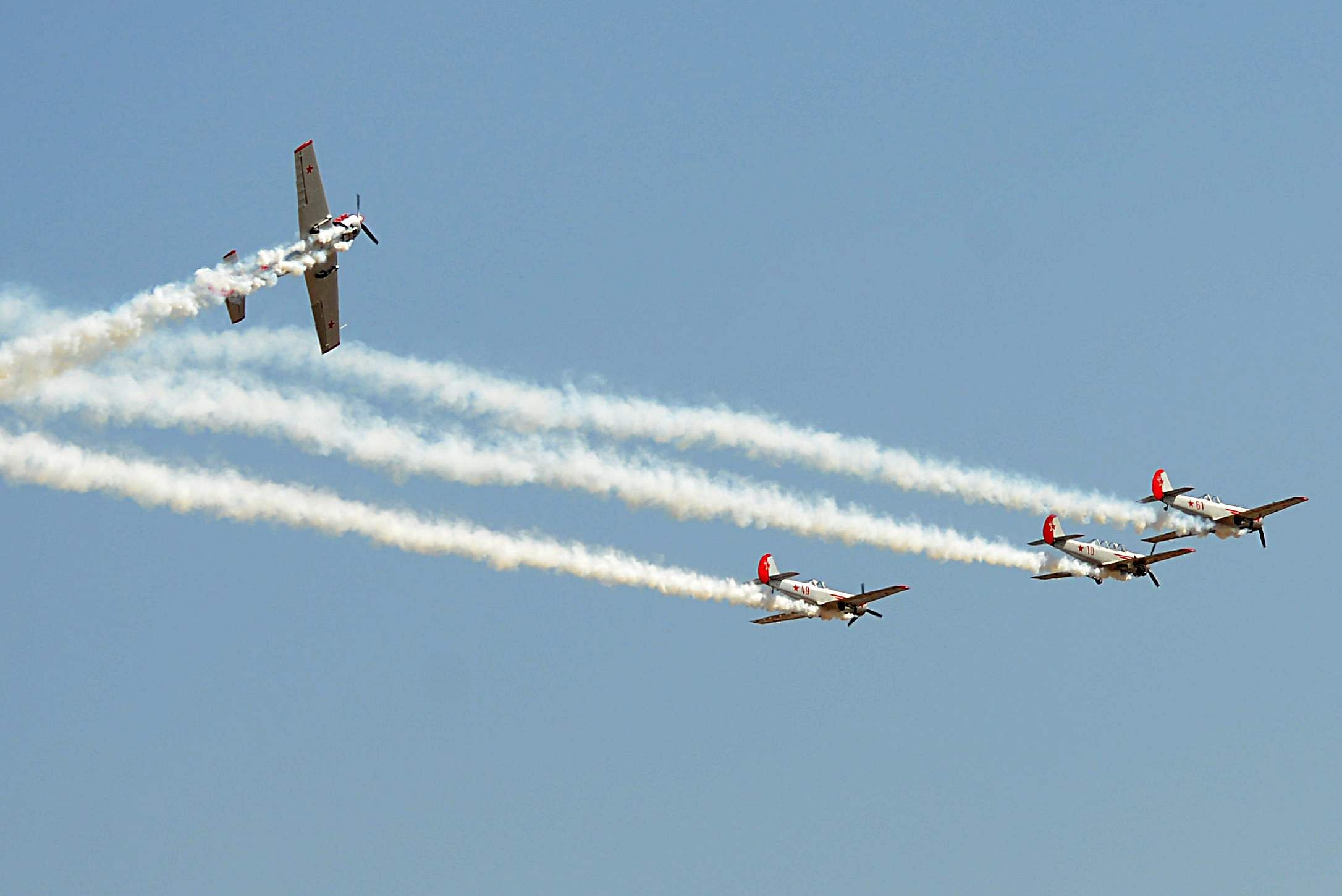 UK's aerobatic team's synchronised performance was a crowd-pleaser . (Pushkar V | EPS)