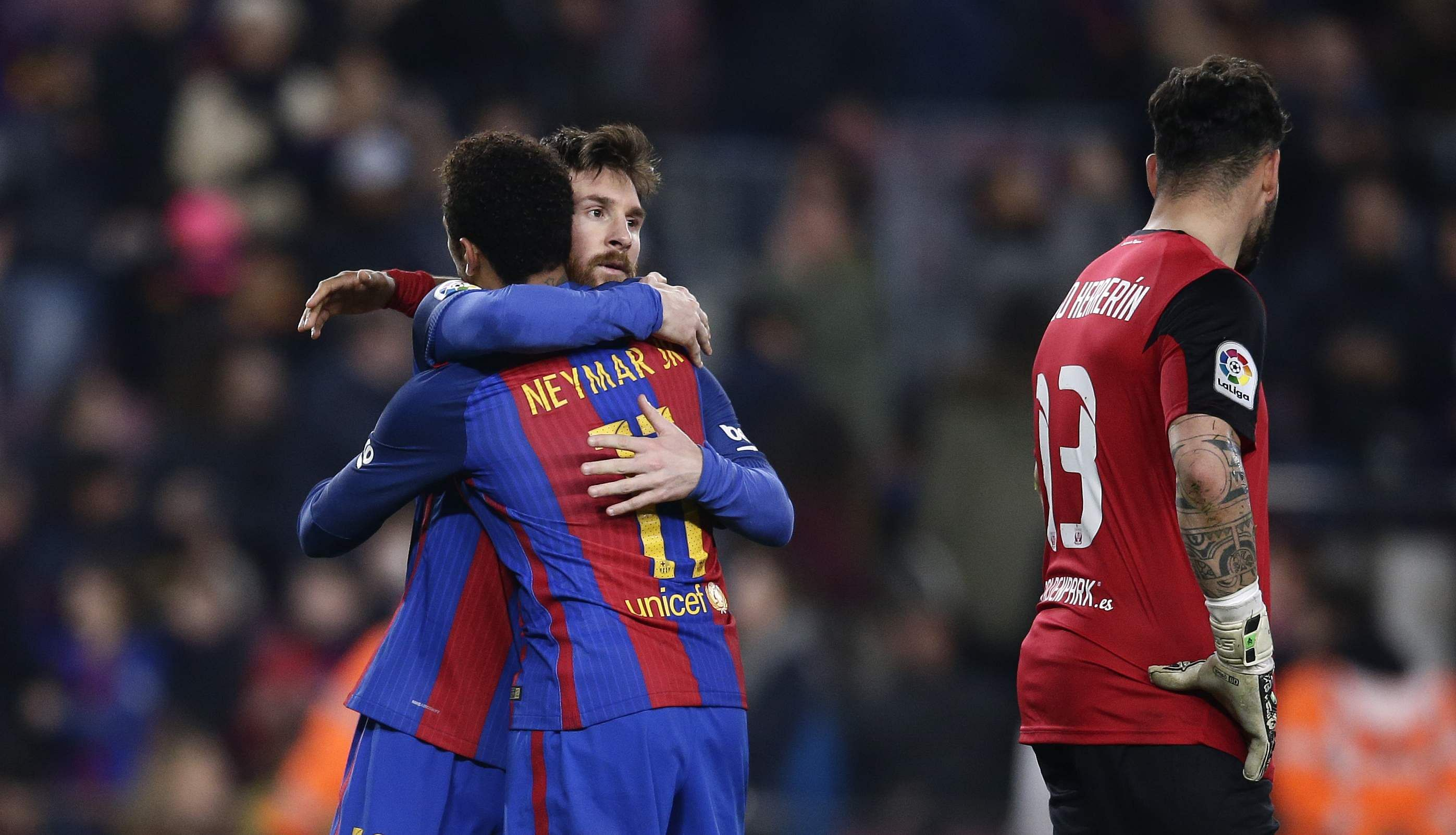 Messi's 90th minute penalty give Barcelona win over ...