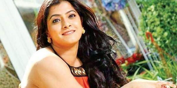 After Malayalam Actress' Harassment, Varalaxmi Sarathkumar