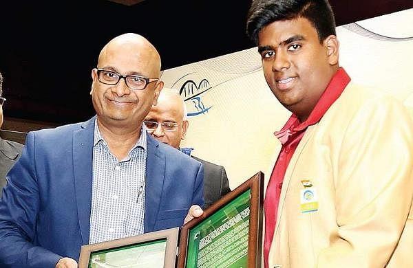 Srikrishna recieving the Young Achiever award