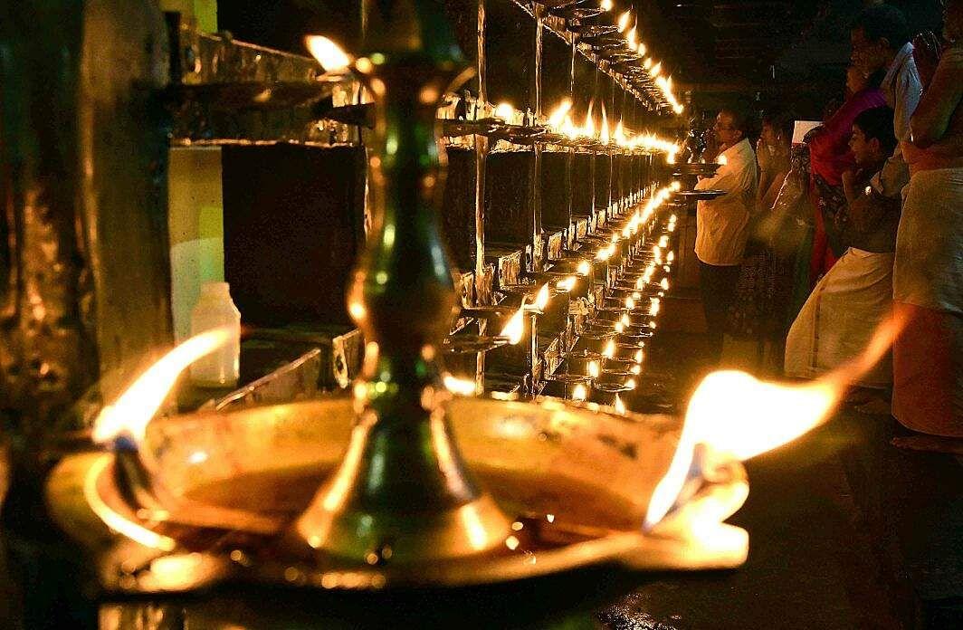 A thousand lit lamps add to the divine aura of the Maha Shivaratri prayers at Sreekandeswaram Mahadeva temple in Thiruvananthapuram on Friday evening. (BP Deepu | EPS)
