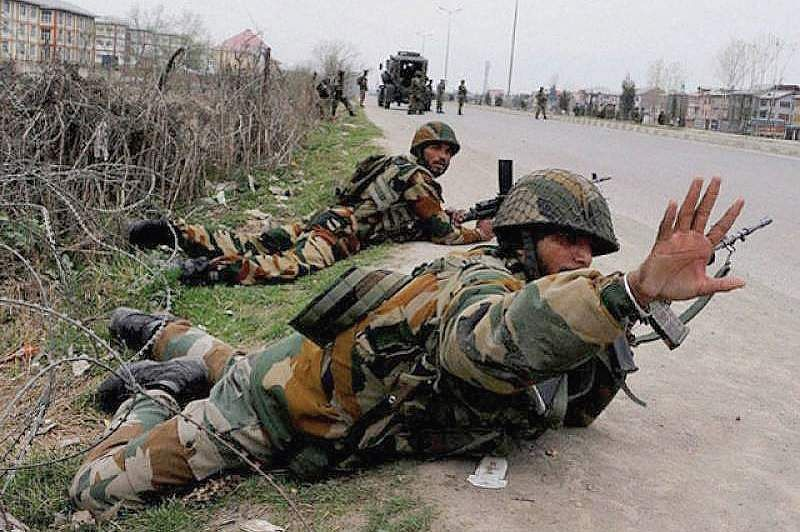 Assault on CRPF jawans in Kashmir: Three people arrested