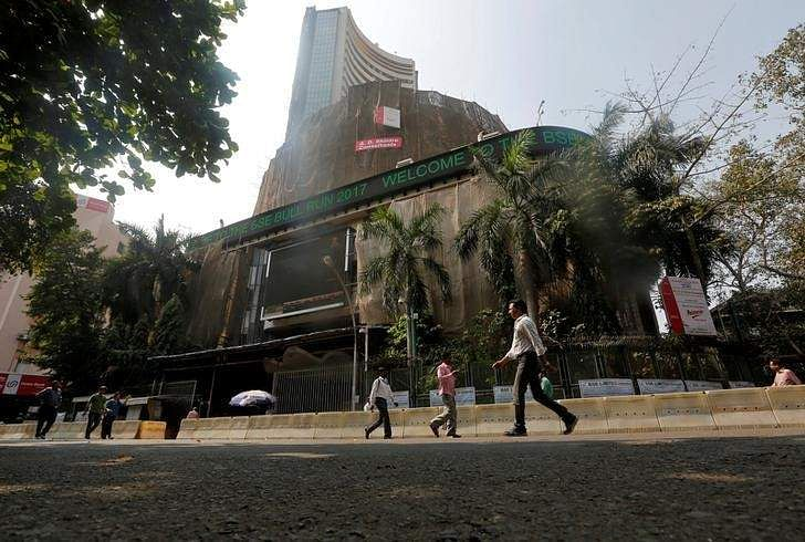bombay stock exchange history New delhi: asia's oldest stock exchange bse created history on friday, as its shares got listed at a 3462 per cent premium on rival nse at rs 1,085 compared with an issue price of rs 806 at 1002 am, the stock was trading 4019 per cent higher at rs 1,130 this is the first-ever listing of a.