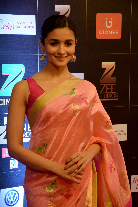 Alia Bhatt, Zee cine Awards 2017