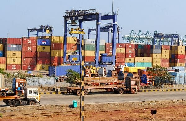 Large consignments of fake currencies reached Indian shores? DRI blocks outbound cargo in Chennai po- The New Indian Express