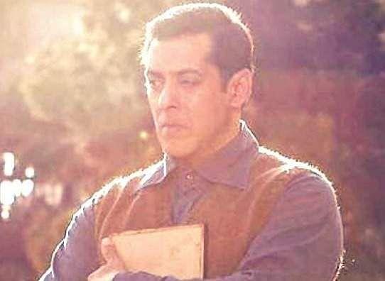 Salman khan: 10 cr for single click