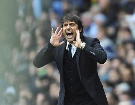 Chelsea remain focused on title, shrug off Everton challenge easily