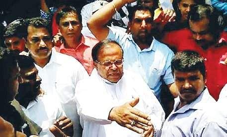 Karnataka BJP rift widens: Eshwarappa meets anti-Yeddyurappa faction