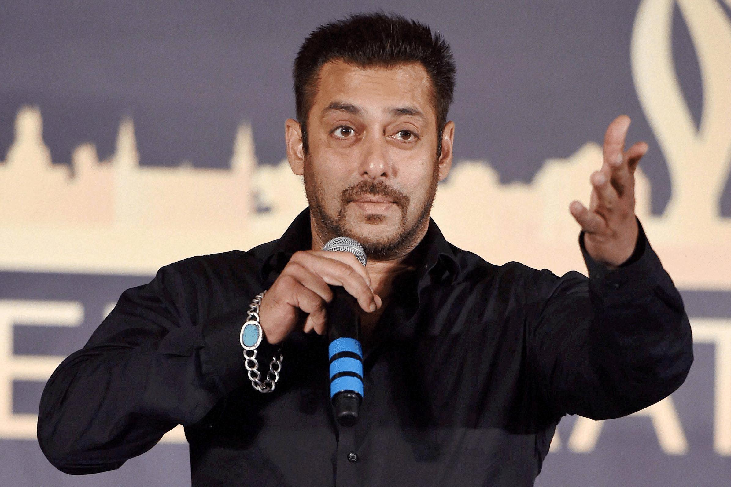 Salman Khan To Launch Chunky Pandey S Daughter Ananya The