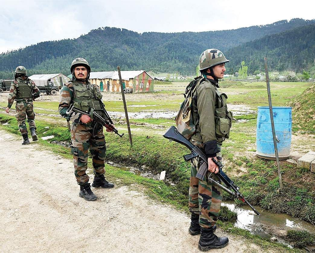 Several Pakistani military posts along LoC attacked, claims Indian army