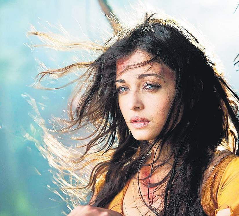 Aishwarya Rai Bachchan to collaborate with Mani Ratnam for bilingual romantic drama?