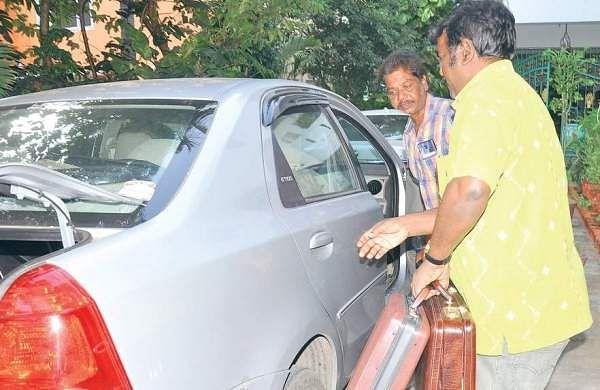 ED attaches 30 kg gold of J. Sekhar Reddy, associates
