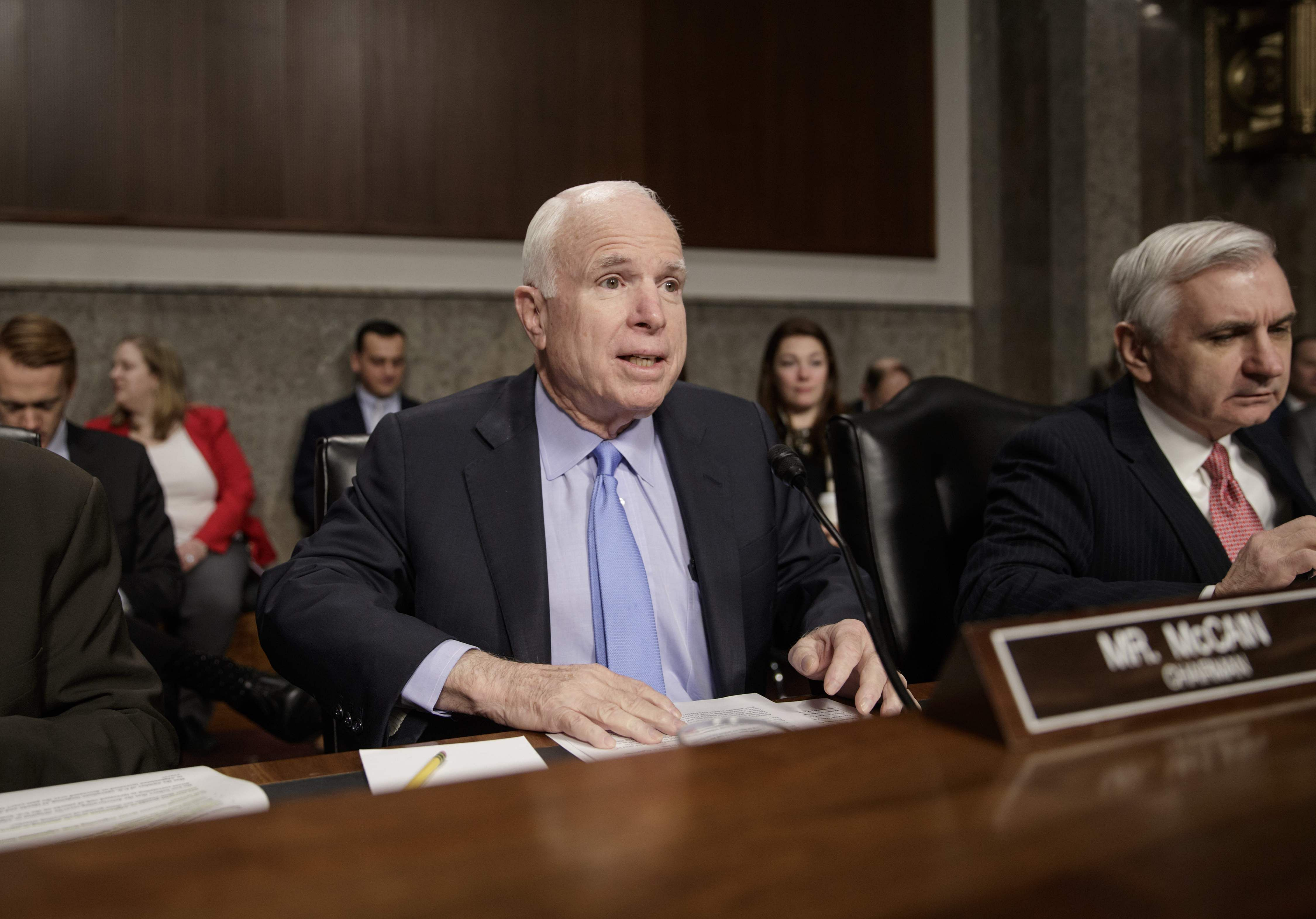 Senator John McCain says Vladimir Putin bigger threat than ISIL