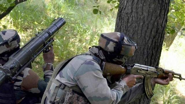 Terrorists hurl grenade at police, 4 policemen injured