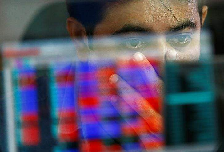 Sensex, Nifty fluctuate through day; end flat