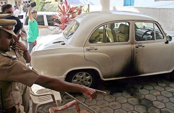 Petrol bomb hurled at CPI (M) office in Coimbatore