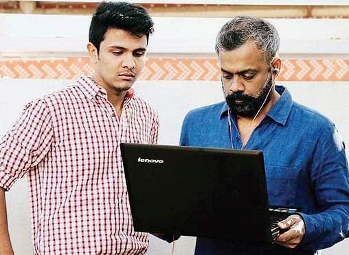 First look of multi-starrer 'Naragasooran' released