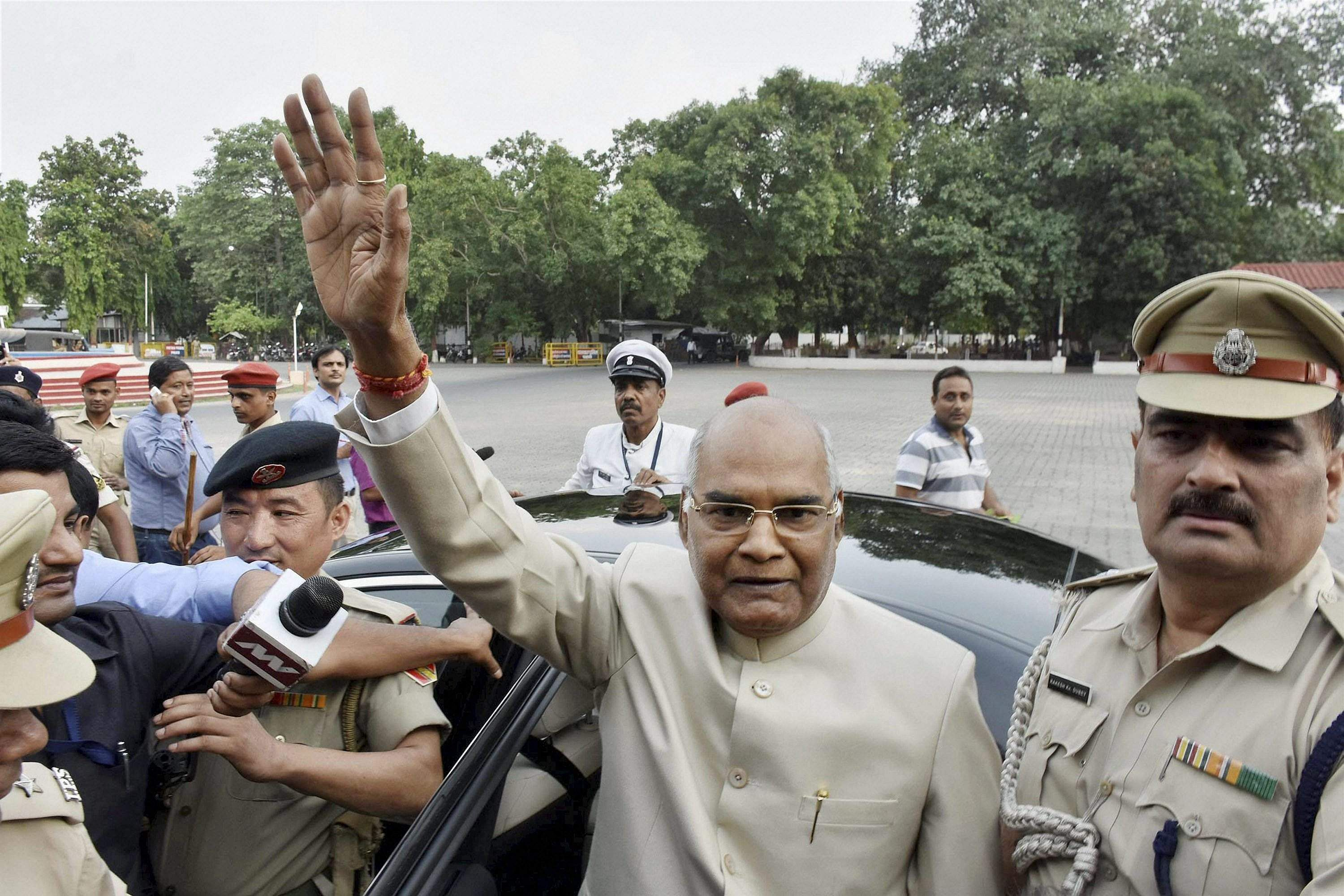 Now, Presidential nominee Kovind gets into the act