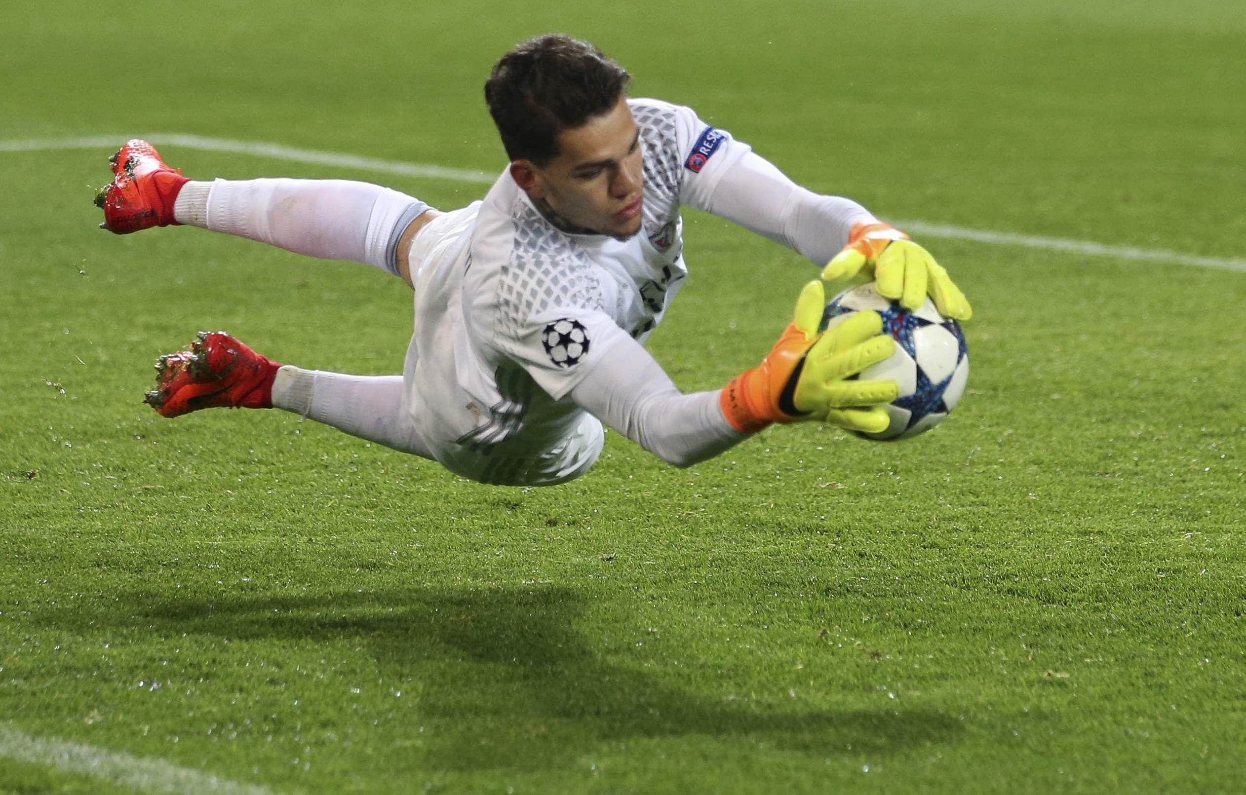 Manchester City sign goalkeeper Ederson Moraes Benfica The New