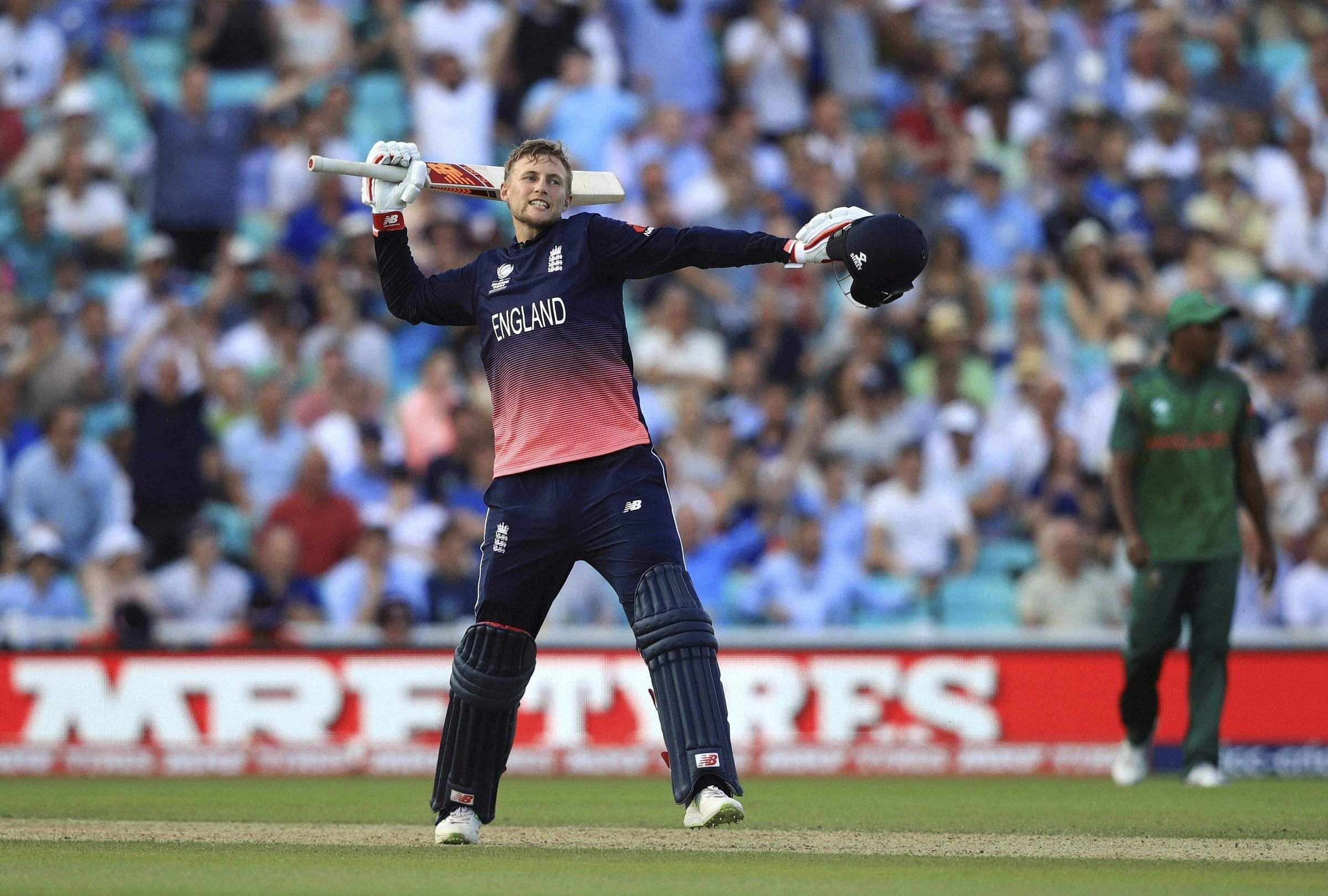England's Chris Woakes ruled out of tournament with strain