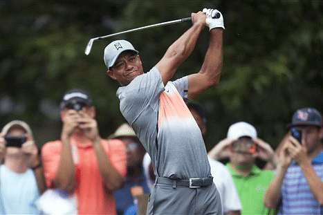 Woods checks into treatment clinic for help