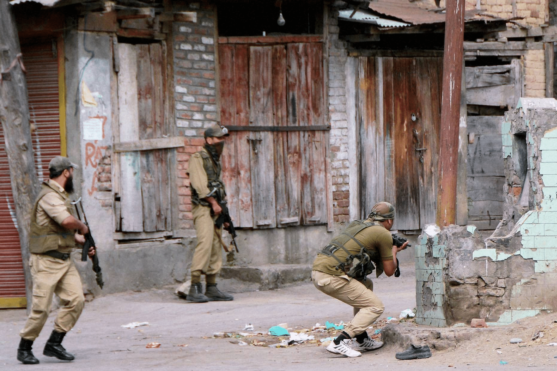 J&K: 3 terrorists killed in encounter with security forces at Budgam