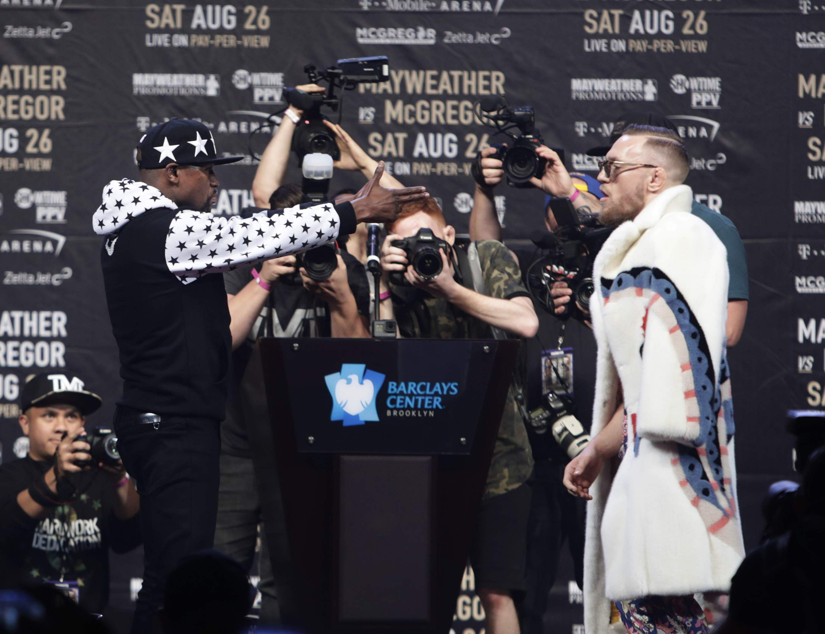 Floyd Mayweather Speaks on Conor McGregor Calling Him 'Boy,' Racism Accusations